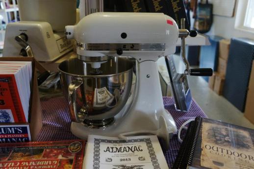 Hand Crank Mixer