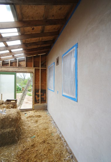 First coat of lime plaster on faswall