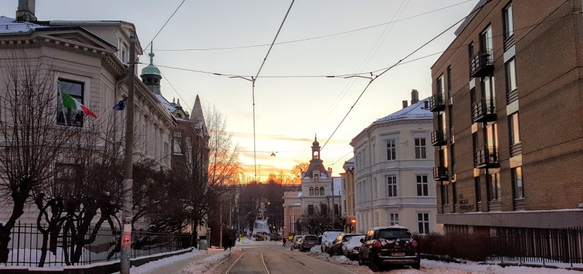 Come for a tour of Oslo as I make my way to work