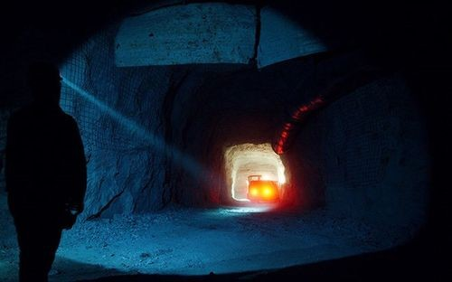 Cận cảnh mỏ vàng lạnh giá nhất thế giới