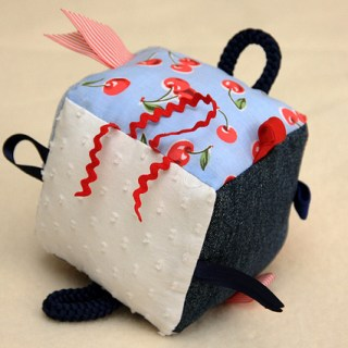 Tag Cube Soft Toy – Tutorial