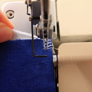 How to Finish Seams with your Serger/Overlocker
