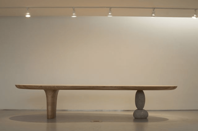 Image from artist's 2008 solo exhibition at Gallery HANGIL, in Paju, Korea.