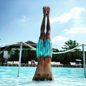 Jerry-balderas-headstand-underwater-at-Terme-San-Giovanni
