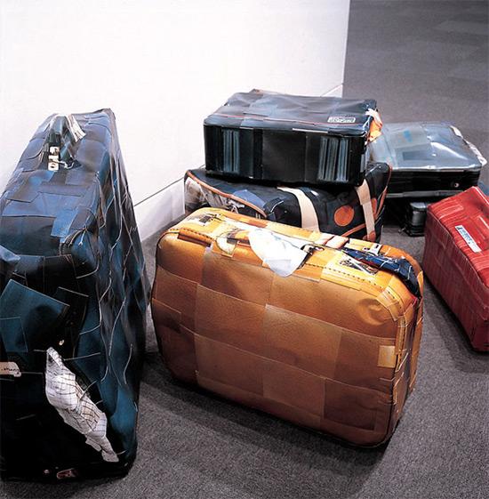 suitcasesculpture