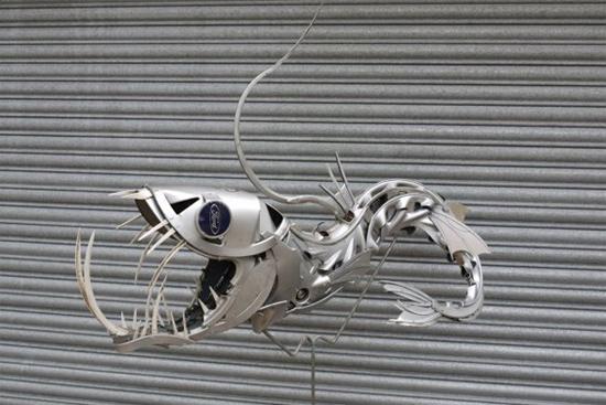 wierd-sculpture