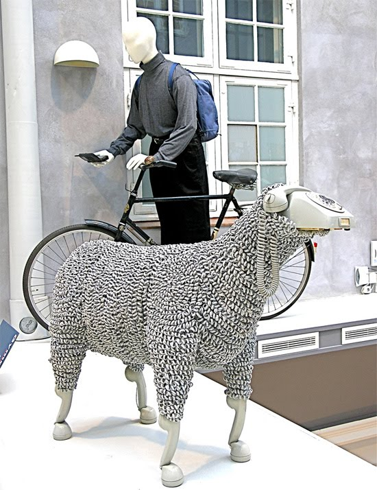sheep-phone-bike