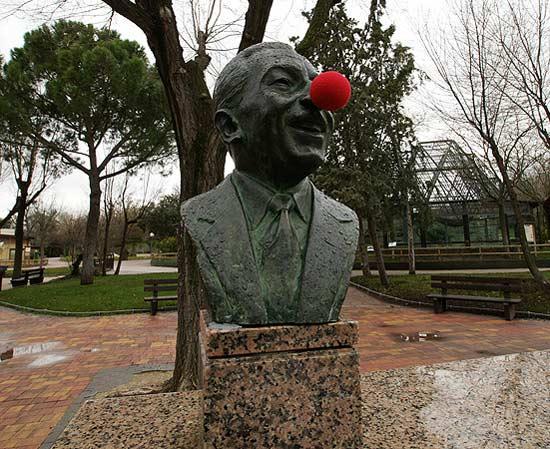 clown-sculpture