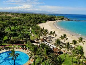 Big-Island-Hawaii-Beaches-Mauna-Kea-Beach-Hotel_full