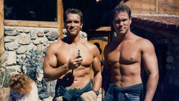 One of the amazing stunt doubles of famous actors is Peter Kent who worked on 14 movies with Arnold Schwarzenegger.