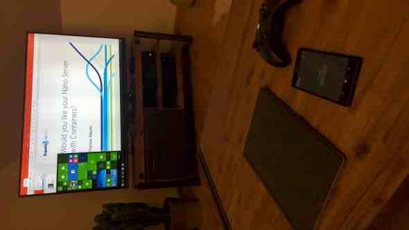 Microsoft Lumia 950 XL Windows Continuum 3