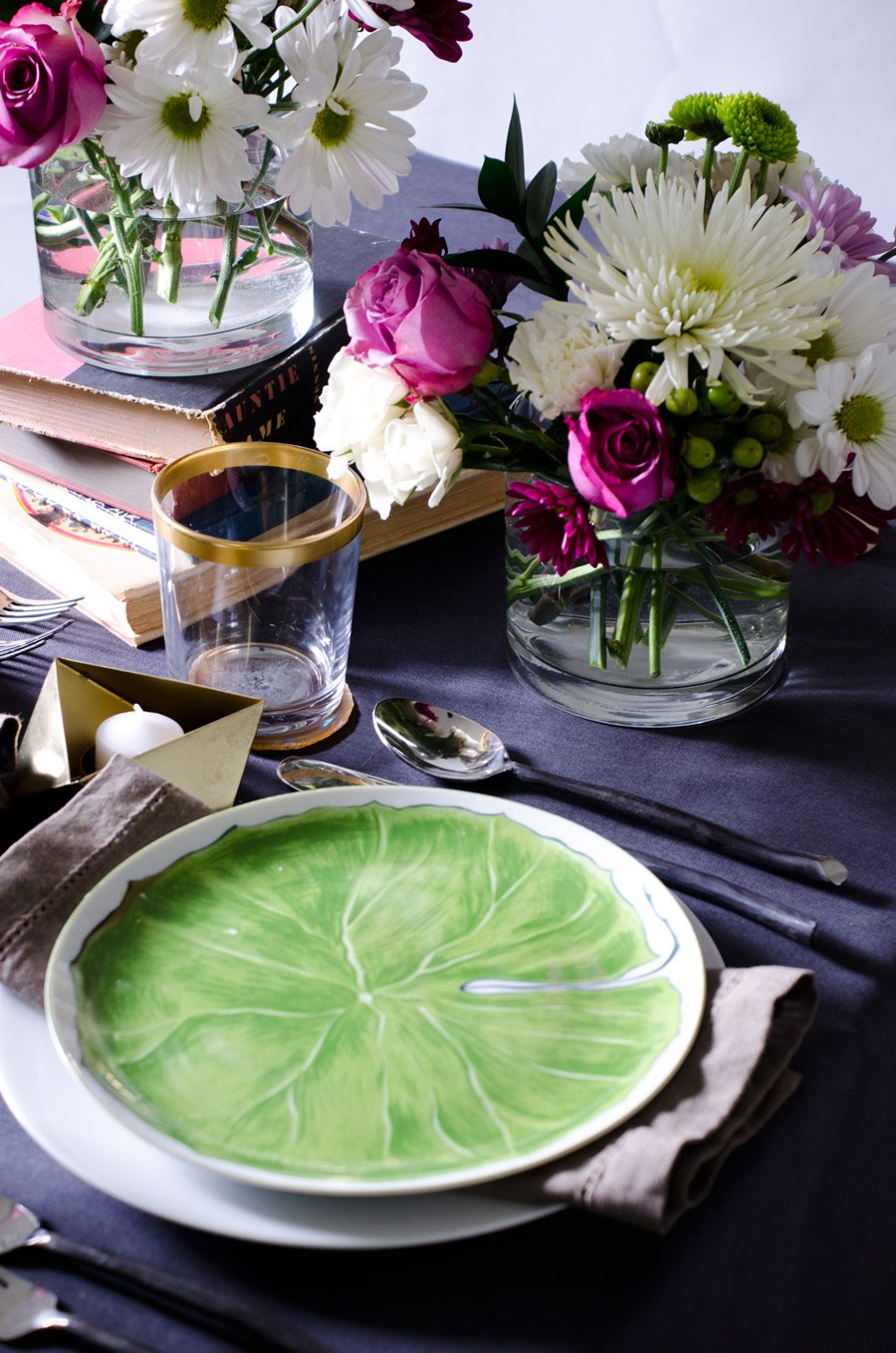 MODERN & ROMANTIC VALENTINE'S DAY TABLE | Thou Swell http://thouswell.co/modern-romantic-valentines-day-table