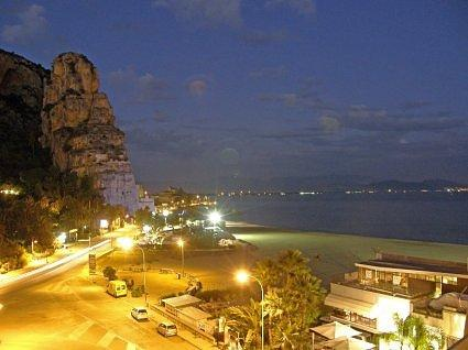 TERRACINA night photo from roofgarden   125