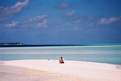 Cocoa's famous sand bank, Cocoa Beach (now renamed: Cocoa Island), Maldives (Nov 2001)