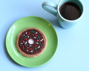 Crochet a donut card for Dad!  Photo by Meredith/One Sheepish Girl