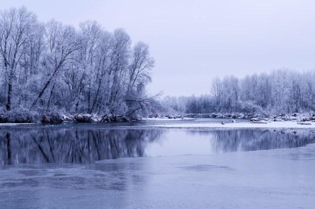winter-river-1446838798rrt