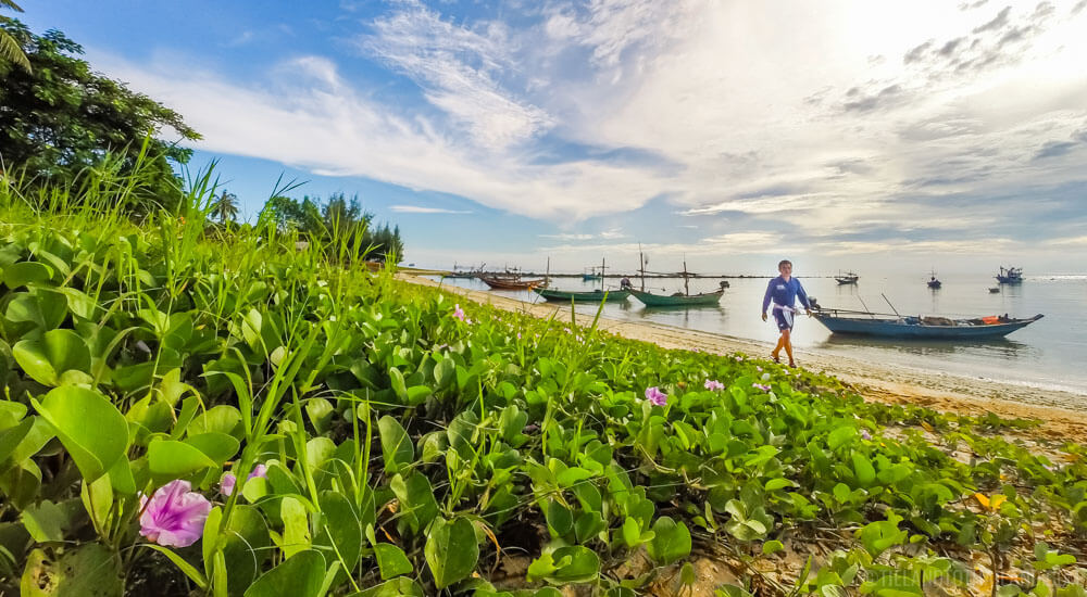 Things to Do in Chumphon: Take a Longtail boat to Koh Khai