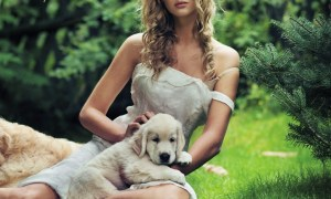 blonde_model_dress_dog_grass_photo_shoot_make-up_48602_1024x1024