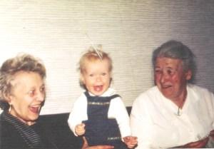 Min mormor Erna, meg og min oldemor Kaspara