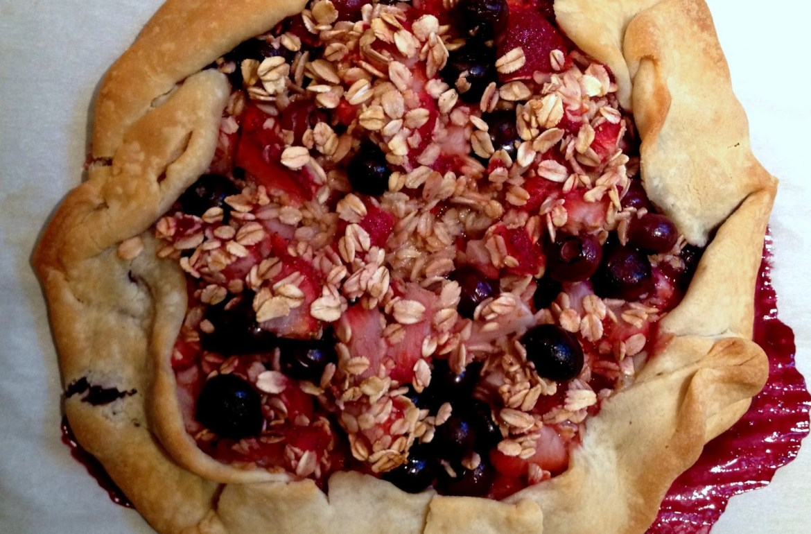 Tillys-Nest-rustic-berry-galette
