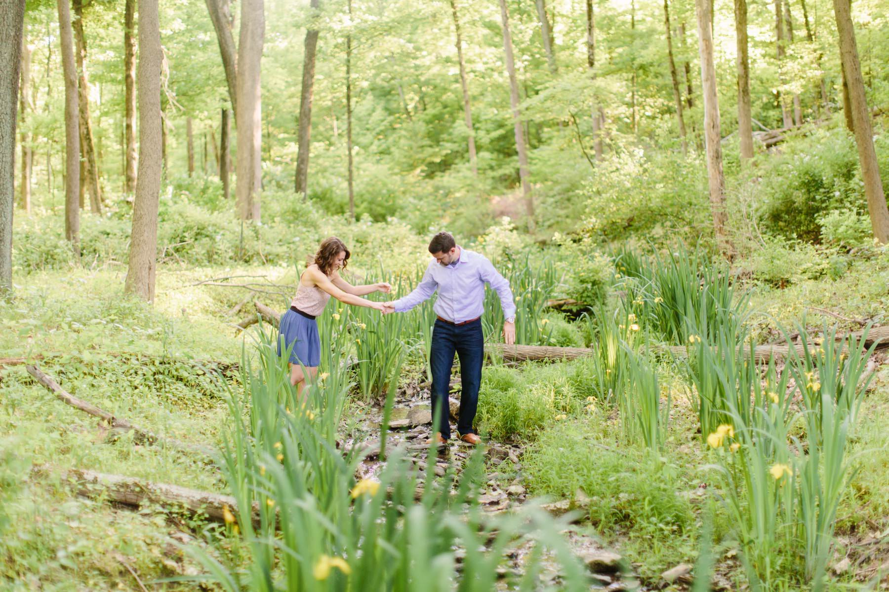 outdoor nature photography. Tire Swing Photography   Cincinnati, Ohio Outdoor Nature Engagement Session_0013