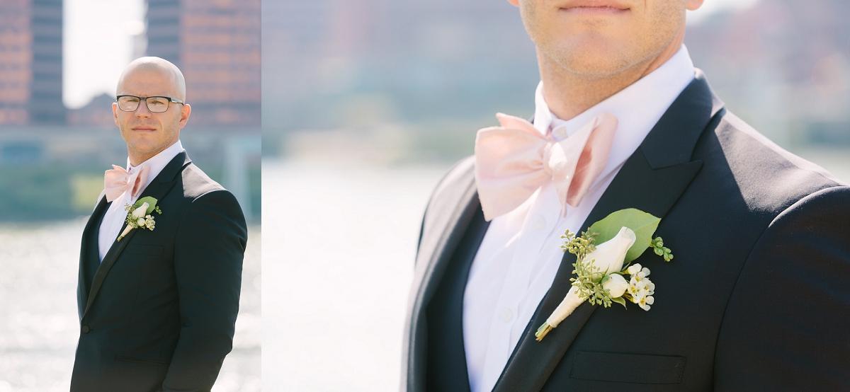 Downtown Cincinnati Smale Riverfront Park . Carnegie Center of Columbia Tusculum Wedding . Tire Swing Photography_0017