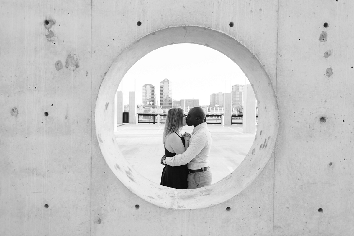 Downtown Cincinnati Engagement Photographers . Tire Swing Photography_0010