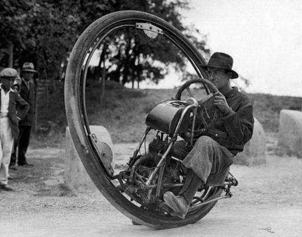 Moto a una sola ruota- 1931