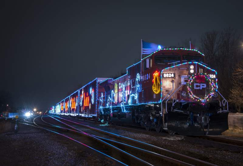 Canadian Pacific Holiday Train 2014     Calgary Area  amp  BanffCanadian Holidays 2014