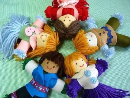 muñecas con fieltro