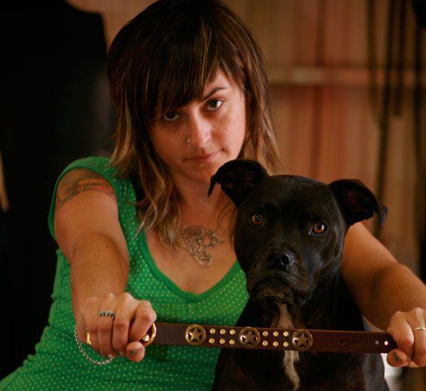 Como hacer un original collar de cuero para tu perro for Como hacer un collar para perro