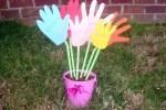 Manualidades de infantiles para el dia de la madre: flores de cartulina
