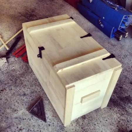 Como hacer un baul de madera todo manualidades for Como fabricar un kiosco de madera
