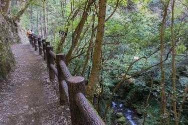 東京都檜原村 払沢の滝