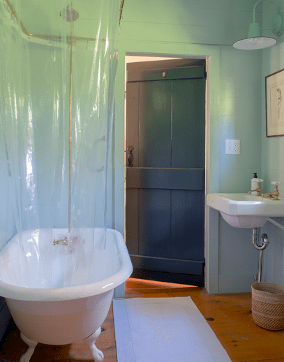 Michelle R Smith Sag Harbor bathroom tub
