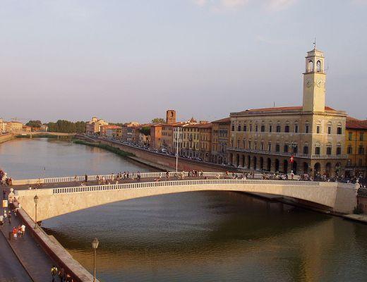 Lungarno, Pisa