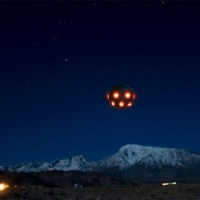 Incredible UFO Sighting Over Bishop, California