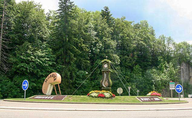 List of Top 10 Most Beautiful Roundabouts in the World