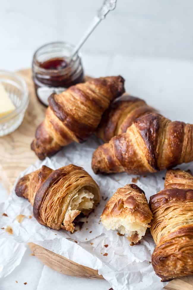 How to make croissants (a step-by-step guide with .gifs) - Izy Hossack ...