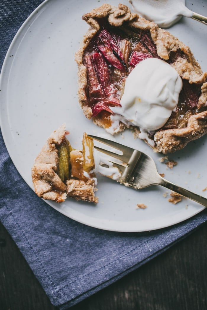 Rhubarb and Rye-Cinnamon Tartlets | Top With Cinnamon
