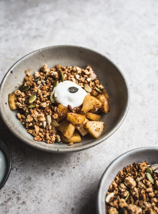 No-Bake, Oaty Apple Crumble