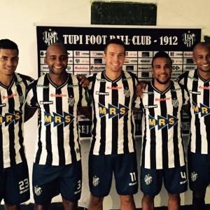 Novas caras no Tupi (esq. para a dir.): Gabriel Davis, Rafael Jataí, Bruno Ré, Carlos Renato e Vinícius Kiss