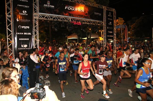 Corrida da Fogueira: Marcos Vinícius e Amanda em primeiro. Veja resultados extra-oficiais