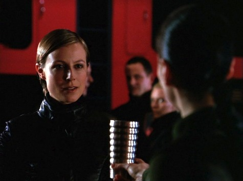 Farscape, Into the Lion's Den I: Lambs to the Slaughter, Aeryn, Henta
