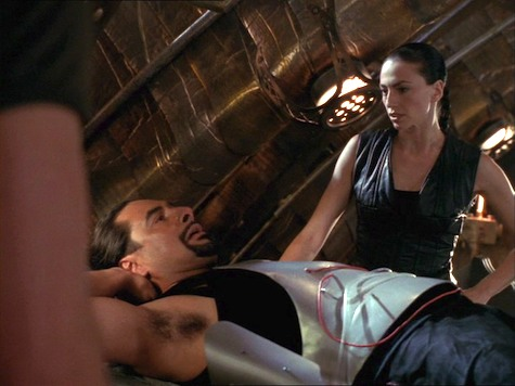 Farscape, Thanks For Sharing, Aeryn, Crais