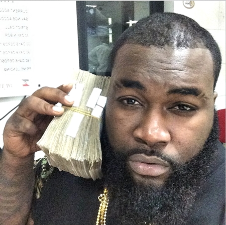 Davido's Hypeman Declares Popular Blogger Wanted After Posting Clips of His S*x Tape (Photos)