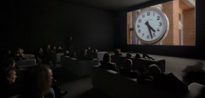 """Videoinstalação """"The Clock"""", de Christian Marclay, é uma das exposições de inauguração"""