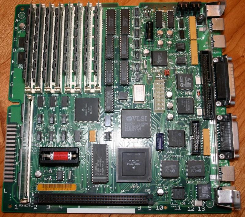 IMG_3880_Mac_SE_30_Motherboard