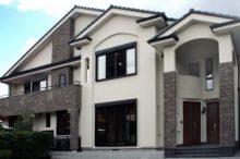 モダンな二世帯住宅