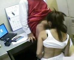 【万引き盗撮動画】幼い少女の出来心…ロリ可愛い女の子が店長に脅されフェラチオ強要を監視カメラが…